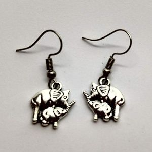 5/$20 Cute mother and baby elephant earrings